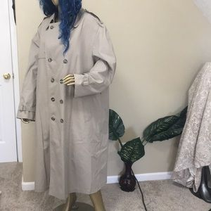 LONDON FOG thinsulate khaki trench coat, 50 long